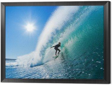 Surfer na fali Błękitny ocean