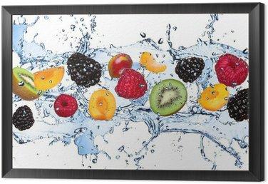 Obraz w Ramie Świeże owoce w plusk wody, na białym tle