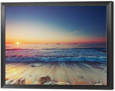 Obraz w Ramie Wschód słońca nad morzem