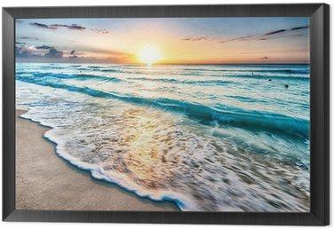 Wschód słońca nad plaży w Cancun