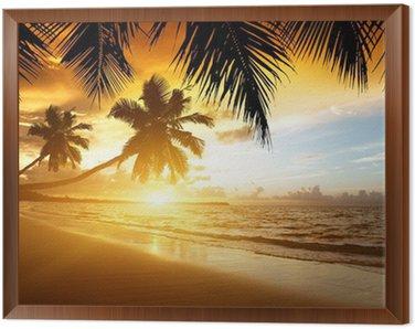 Obraz w Ramie Zachód słońca na plaży w Morzu Karaibskim