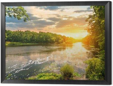 Obraz w Ramie Zachód słońca nad rzeką w lesie