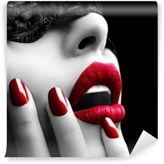 Papier Peint Vinyle Belle femme avec un masque de dentelle noire sur les yeux