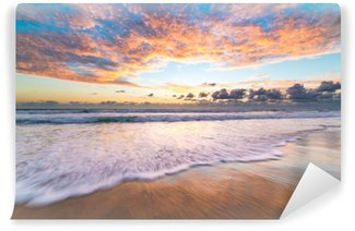 Papier Peint Vinyle Le lever de soleil pittoresque à la plage