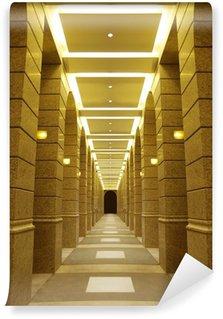 Papier Peint Vinyle Long couloir dans la construction moderne