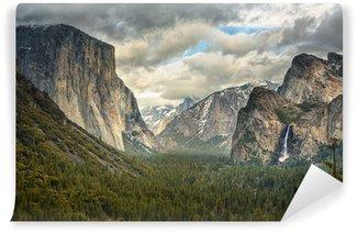 Papier Peint Vinyle Nuages orageux dans le parc de Yosemite
