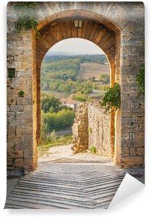 Papier Peint Vinyle Sortez de la ville de Monteriggioni avec vue sur la landscap toscane