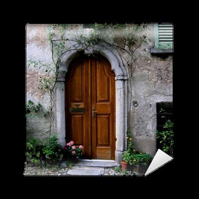 papier peint une porte ancienne dans un village en suisse pixers nous vivons pour changer. Black Bedroom Furniture Sets. Home Design Ideas