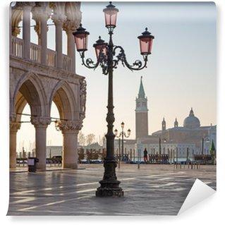 Papier Peint Vinyle Venise - Palais Ducale et la Place Saint Marc le matin