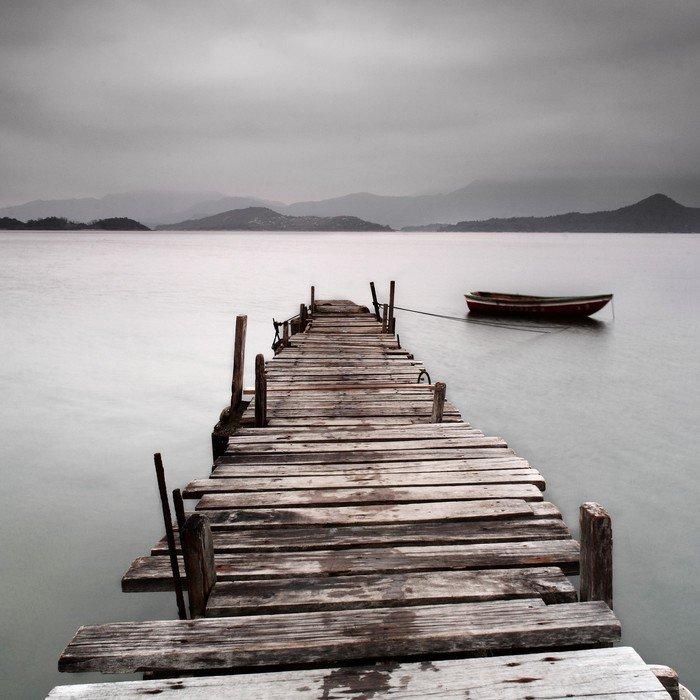 Obraz w Ramie Patrząc na molo i łodzi, niskie nasycenie -