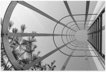 Plakát Abstrakt průmyslové žebřík. Při pohledu vzhůru. Minimalistický design art. Moderní design art. Průmyslový design. Ocelové nosníky žebříku. Urban geometrie. Urban fotografování. Ulice fotografování. Černý a bílý.