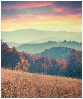 Plakát Barevný podzim východ slunce v Karpatech.