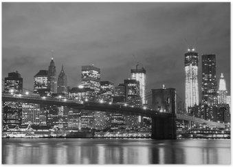 Plakát Brooklyn Bridge a Manhattan Skyline v noci, New York City