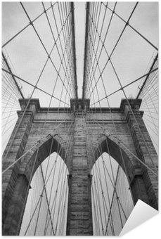 Plakát Brooklyn Bridge New York City zblízka architektonický detail v nadčasové černé a bílé