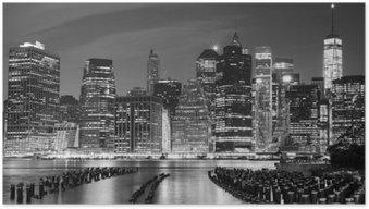 Plakát Černobílá fotografie Manhattan nábřeží, NYC, USA.