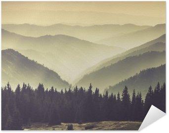Plakát Krajina Misty Mountain kopců.