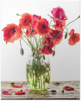 Plakát Kytice z máku květiny ve váze na dřevěném stole.