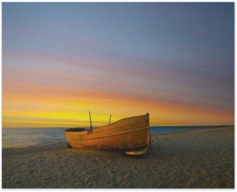 Plakát Pomarańczowa Lodži Rybacka na plaży o zachodzie słońca