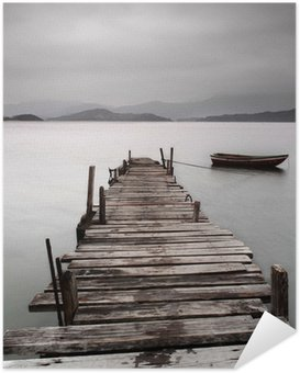 Plakát Při pohledu na molu a loď, nízká saturace