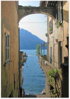 Plakát Romantický pohled na slavného italského jezera Como od Varenna města