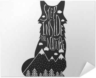 Plakat Samoprzylepny Wektor wyciągnąć rękę Napis ilustracji. Krok wewnątrz natury. Typografia plakat z lisa, gór, lasów sosnowych i chmur.
