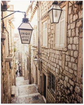Plakát Strmé schodiště a úzké uličky ve starém městě Dubrovník