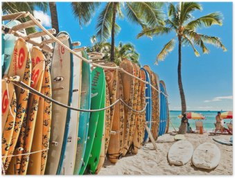 Plakát Surfovací prkna ve stojanu na Waikiki Beach - Honolulu