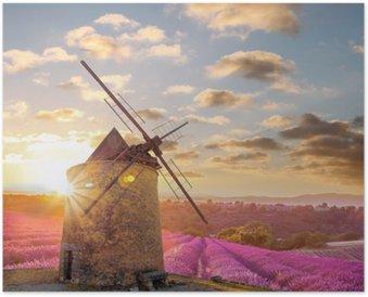 Plakát Větrný mlýn s Levander pole proti barevný západ slunce v Provence, Francie