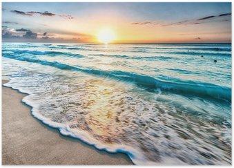 Plakát Východ slunce nad pláží v Cancúnu