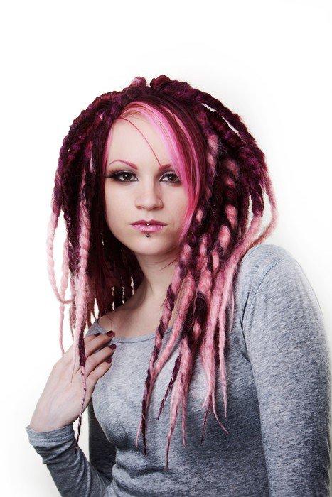 Obraz na Płótnie Portret kobiety z dredami włosy - Kobiety