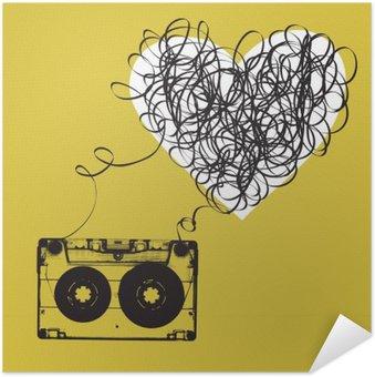 Poster Autoadesivo Audiocassette con nastro aggrovigliato. a forma di haert