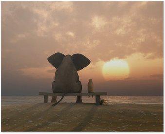 Poster HD Elefante e cane sedersi su una spiaggia d'estate