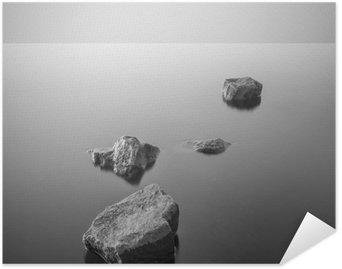 Póster em HD Paisagem enevoada minimalista. Preto e branco.