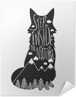 Pôster Pixerstick Vector desenhado à mão lettering ilustração. Passo dentro da natureza. poster Tipografia com raposa, montanhas, floresta de pinheiros e nuvens.