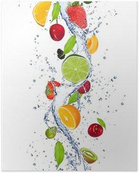 Poster Su sıçramasına düşen taze meyve