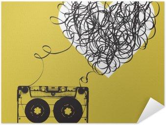 Póster Autoadhesivo Casete de audio con cinta enredada. en forma de haert