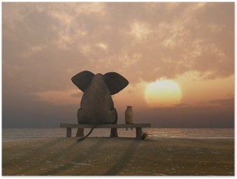 Poster Éléphant et chien de s'asseoir sur une plage en été