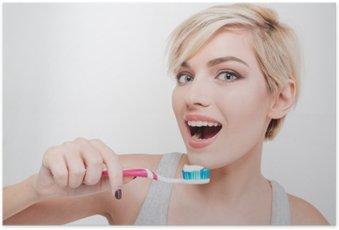 Poster Gelukkige leuke vrouw tanden poetsen