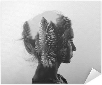 Poster HD Double exposition Creative avec le portrait de la jeune fille et des fleurs, monochrome