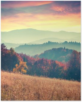 Poster HD Lever de soleil coloré d'automne dans les montagnes des Carpates.