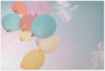 Poster Kleurrijke ballonnen in de zomervakantie. Pastel kleurfilter