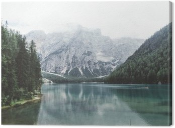 Quadro su Tela Lago di Braies con acqua verde e le montagne con trees__