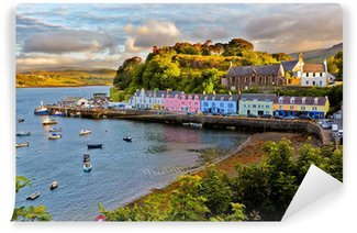 Samolepicí Fototapeta Zobrazit na Portree, Isle of Skye, Skotsko