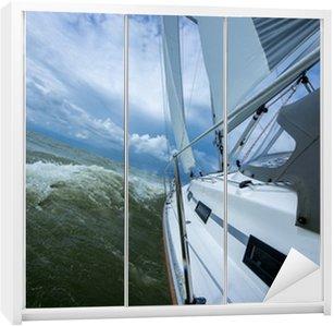 Segelyacht im sturm  Fototapete Segelyacht im Sturm • Pixers® - Wir leben, um zu verändern