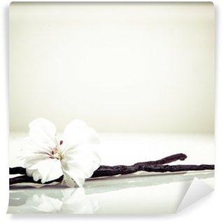 Selbstklebende Fototapete Vanilleschote und Blumen