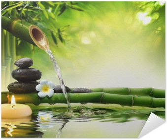 Selbstklebendes Poster Spa-Steine im Garten mit Flusswasser