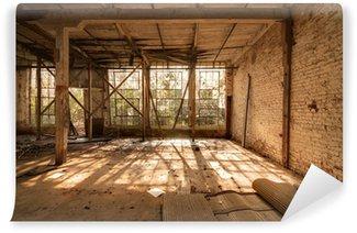 Gamle forladte fabrik Selvklæbende Fototapet