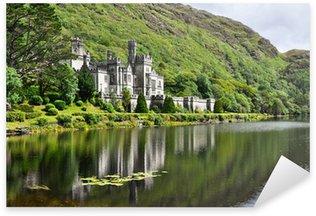 Sticker Pixerstick Abbaye de Kylemore dans les montagnes du Connemara, en Irlande