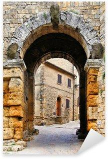 Sticker Pixerstick Ancienne porte à Volterra, Toscane, Italie