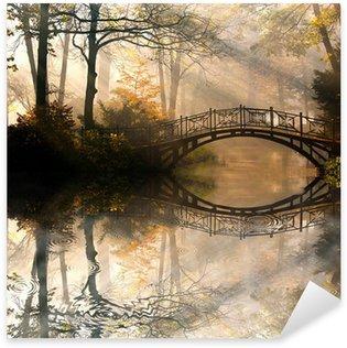 Sticker Pixerstick Automne - Vieux pont en automne brumeux parc